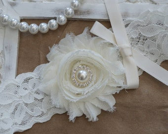 Wedding Garter, Bridal Garter, Vintage Wedding, Ivory Lace Garter, Ivory Wedding Garter