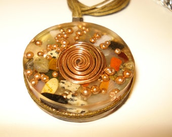38mm Orgone  energy  pendant  EMF protection  crystals  copper balls  healing  and  cleaning .You get exactly  what you see at the photos .