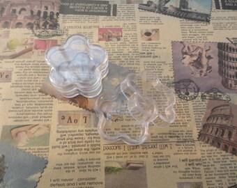 set of 10--mini clear plastic box--flower shape plastic box--plastic jewelry box--30x30x13mm--OC3025-10