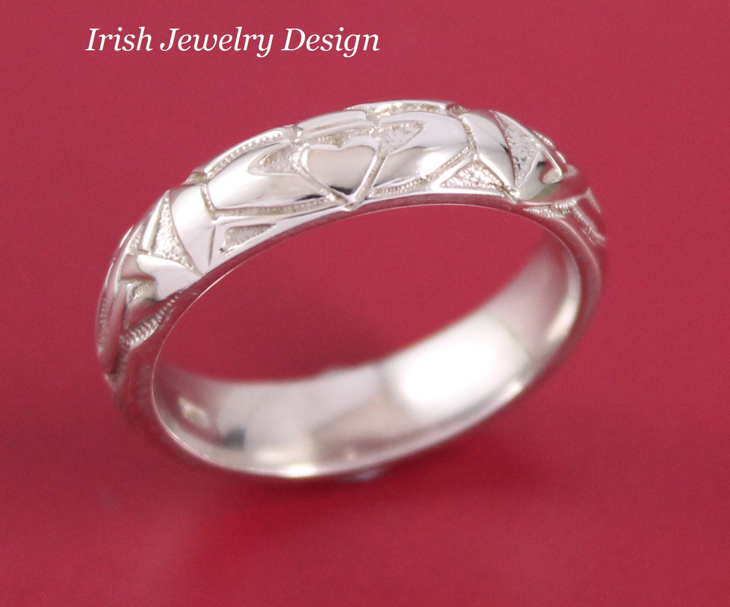 mens 14ct white gold irish celtic wedding ring with claddagh. Black Bedroom Furniture Sets. Home Design Ideas