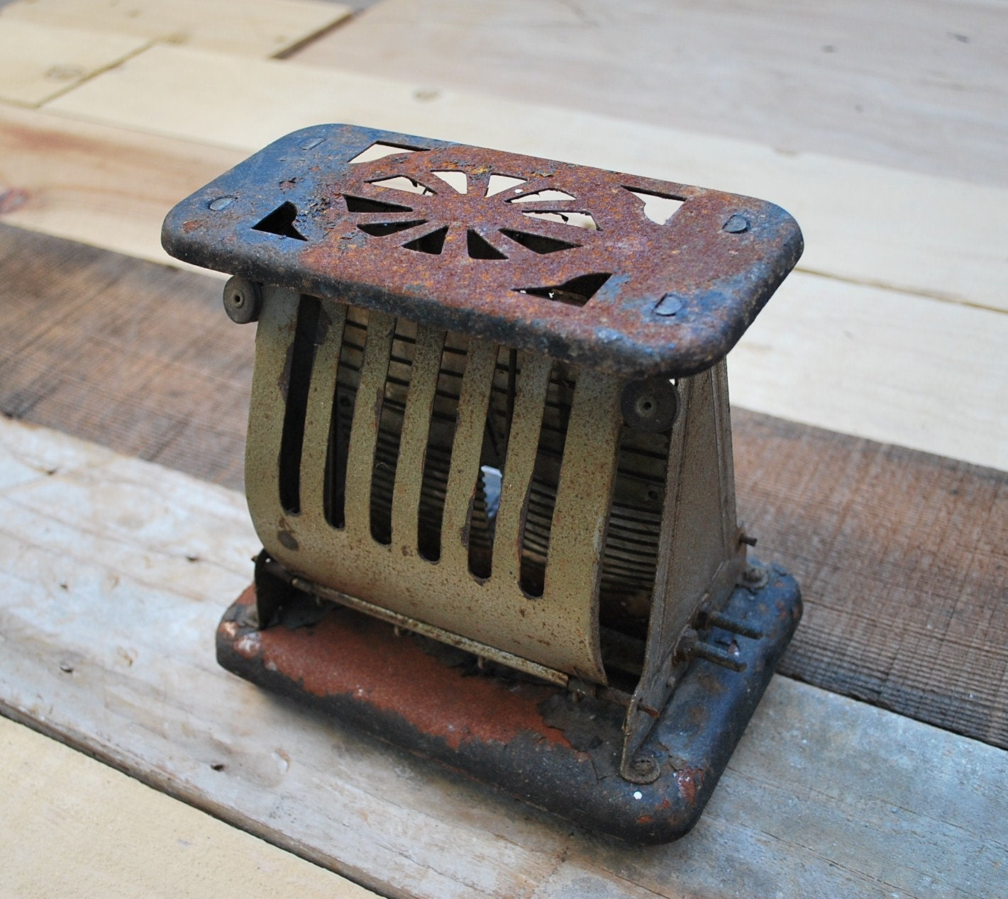 Antique Electric Toasters ~ Vintage antique rustic toaster flopper style likely