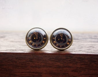 Vintage black clock pattern glass dome earring,cabochon earring,vintage watch pattern,Christmas gift. birthday gift
