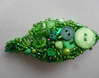 Green leaf cluster brooch