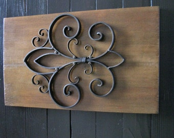 Tuscan Style Wall Hanging Home Decor with Reclaimed Wood