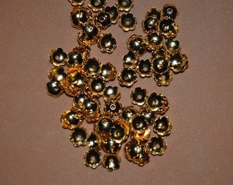 100 - 6mm Gold Plated bead caps (3014507)