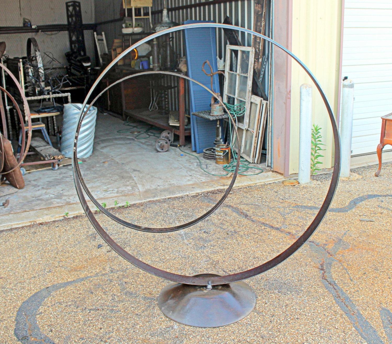 Recycled Salvage Design artist Raymond Guest : Scrap Metal Garden ...