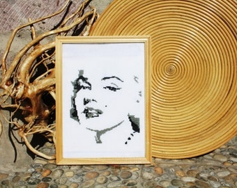 Completed Cross Stitch of Marilyn Monroe, finished cross stitch, Embroidery of Marylin Monroe, Fully handmade embroidery