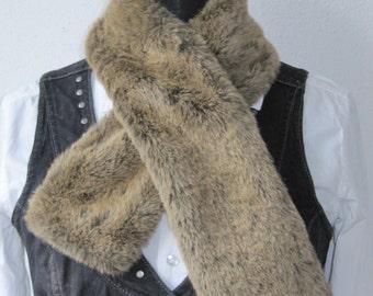 Vintage brown fake fur scarf, brown scarf, faux fur, faux fur scarf, vintage scarf, for her, women, women scarf, gift idea, fake fur shawl