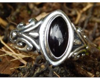 silver ring black stone onyx