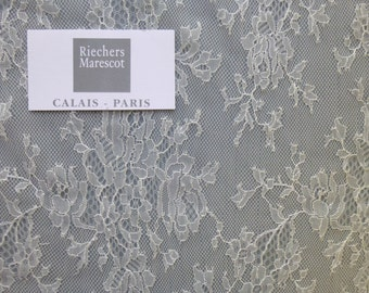 Delicate French lace by Riechers Marescot
