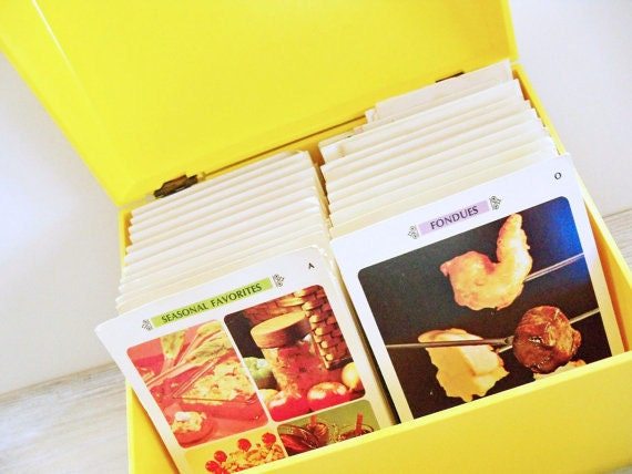 Vintage Betty Crocker Recipe Card Library File Box 1971 General Mills