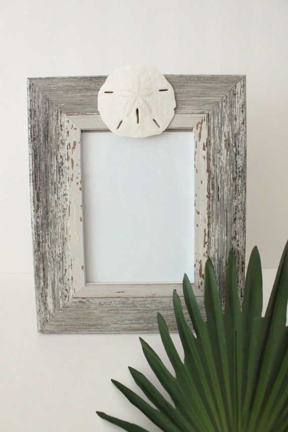 Distressed Driftwood Photo Frame with Sand Dollar