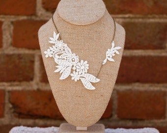 Lace Necklace (The Chantilly Necklace)