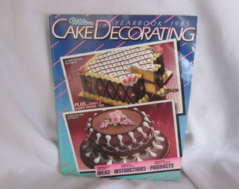 Vintage Wilton Yearbook 1985 Cake Decorating
