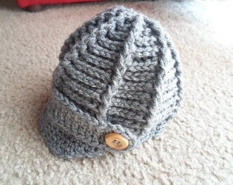 Textured Newsboy Hat.  Sizes Newborn-12 Months.  Different Colors Available.