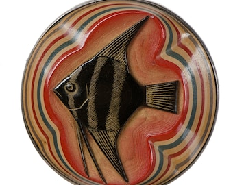 Japanese layered lacquer carved brooch by Ikeuchi Kahou