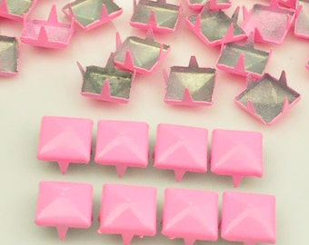 100 pcs. Pink Pyramid Studs Rivets Biker Spikes spots nailheads Decorations Findings 9 mm  with 4 claws Rivets DIY accessories.