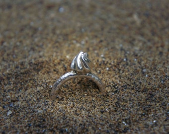 Ǝlement line ice cream silver ring
