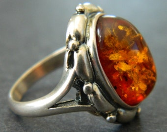 Beautiful Sterling Silver Amber Ring