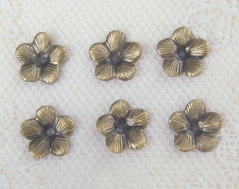 Small Flower Stamping Antiqued Gold Ox Plated Brass Stamping 4-205-GO