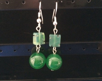 Jade and green quartz dangly earrings with 925 silver hooks