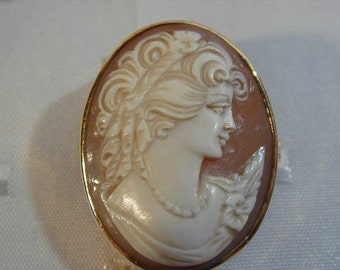 Vintage 9CT Gold Shell Cameo Brooch 7.2 Grams