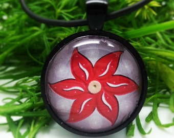 Artful Flower Pendant Necklace (4)