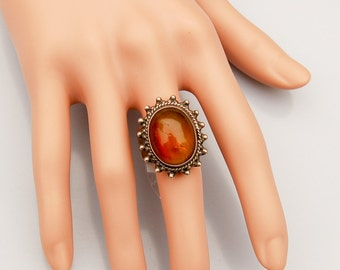 Exquisit Vintage Silver Ring with fine Large Amber gem.   US Size  9                  UK Size S