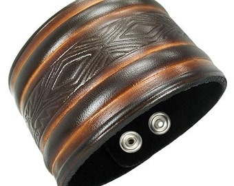 Leather wristband with fine Tribal design