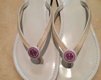Circle monogram (three initials) with outer circle flip flop buttons / pony tail holders.  Personalized.  Custom.