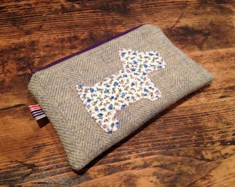 Handmade purse with scottie dog applique and contrasting fabric lining