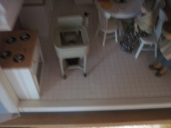 Old Fashioned Wringer Maytag Washing Machine By