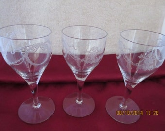 Clear etched glass appertif glasses - set of 3 - Beautiful!