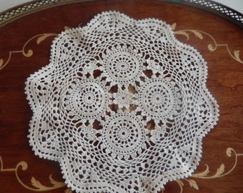 VINTAGE HAND MADE Doily