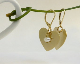 Pearl earrings with gold heart pendant, gold earrings, gold and pearls earrings heart earring