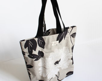 Light gray white flower tote bag