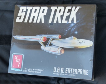 Vintage Toys VTG STAR Trek U.S.S. Enterprise Model Kit  - 1980 Amt Style NC701 Memorabilia Sale
