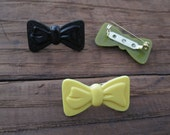 Perfect Bow Plastic Brooch Pin