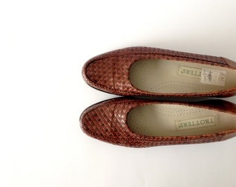 80s woven Leather slip on Loafers / Classic Flats / Made in Brazil / tobacco brown / sz 7.5 8 N
