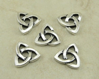 5 TierraCast Rivetable Celtic Open Triad Knot Link Charms > Triquetra Silver Plated Lead Free Pewter - I ship internationally 5796