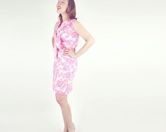 60s Pink Flowered Tie Neck Short Sheath Dress S/M