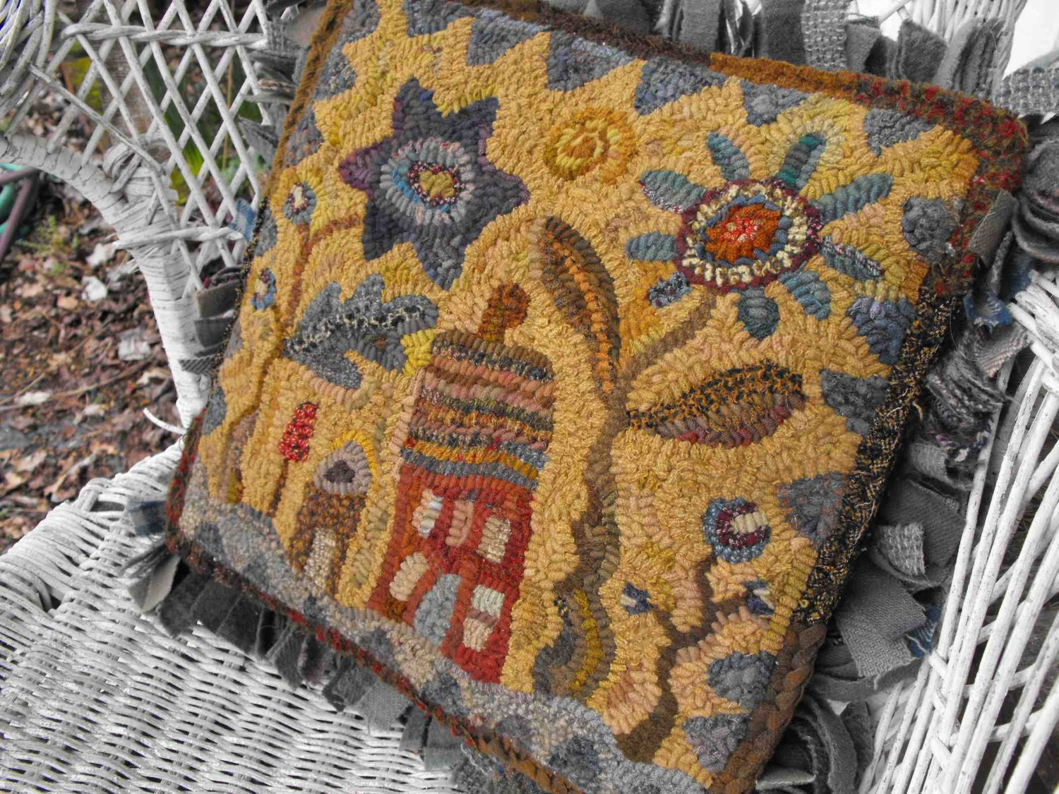 Hideaway House Pattern Pdf For Rug Hooking And Punchneedle