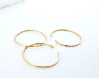 Thin gold rings, delicate stack rings, Set of 3 Delicate Gold Filled Shell Stacking Rings, thin hammered gold rings