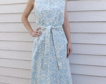 50s Wrap Dress Blue White Print S XS Casual Cotton Vintage 1950s