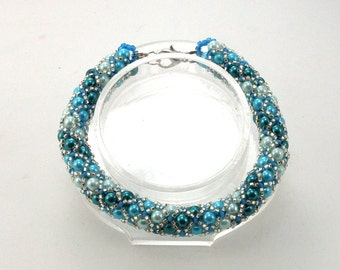 Shades of Turquoise Netted Beadwoven Bracelet