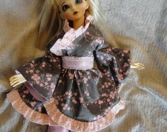 MSD BJD Wa-Lolita Kimono Set Grey  With  Blossoms