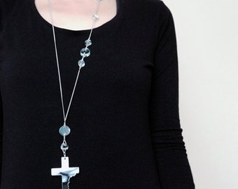 I'M NOT FRAGILE 2 long cross necklace - Square Top