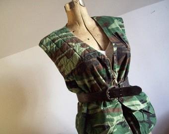 Vintage camouflage vest handmade versatile hunting vest medium large unisex cammo vest free shipping to USA