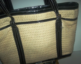 Vintage straw hand bag