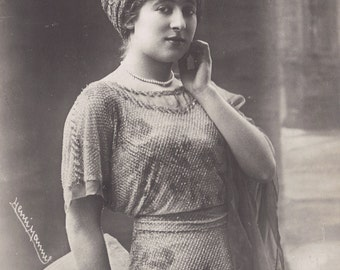 Mlle. Jeanne Provost of the Comedie Francaise, by Henri Manuel, circa 1910